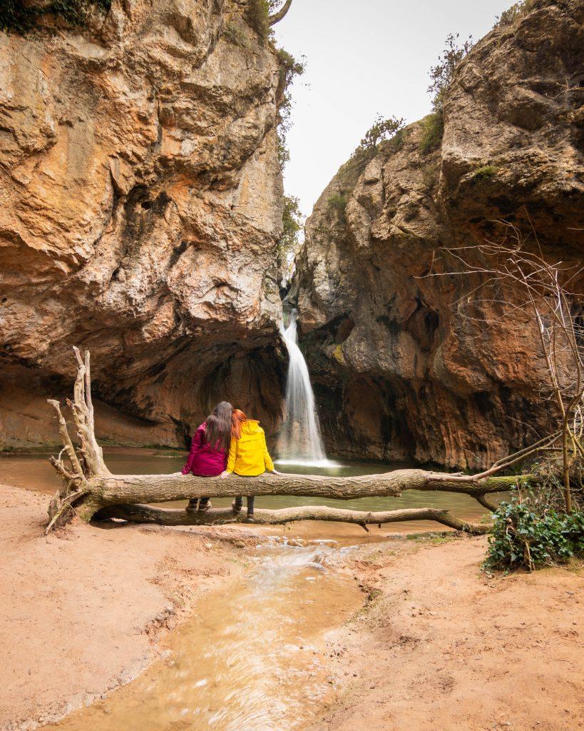 excursiones faciles por catalunya con agua saltant de la fou